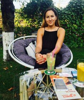 jeune femme célibataire cherche pour femme âgés de 30 pour relation à longjumeau